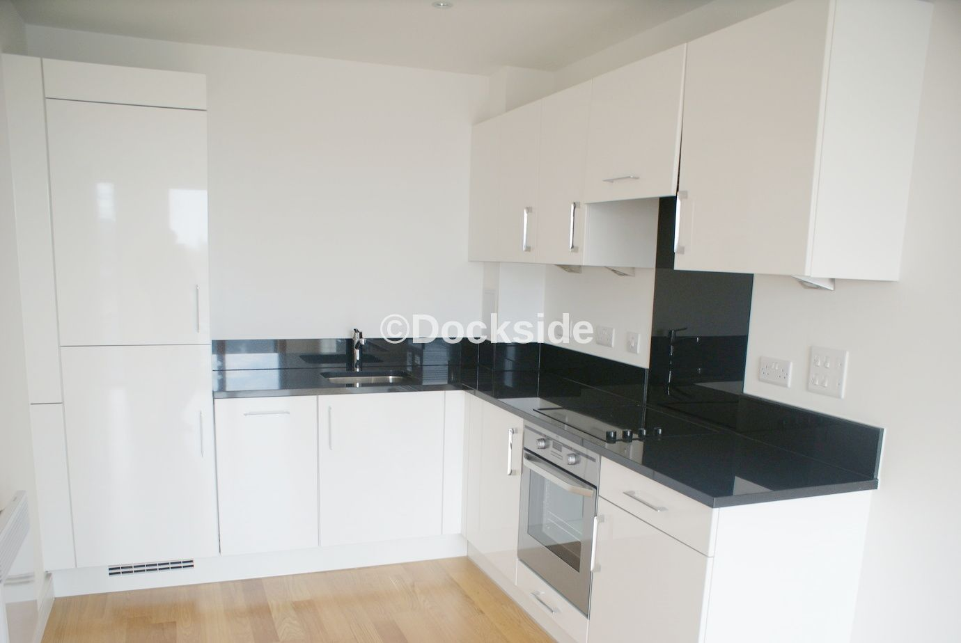 2 bed flat to rent in Dock Head Road  - Property Image 4