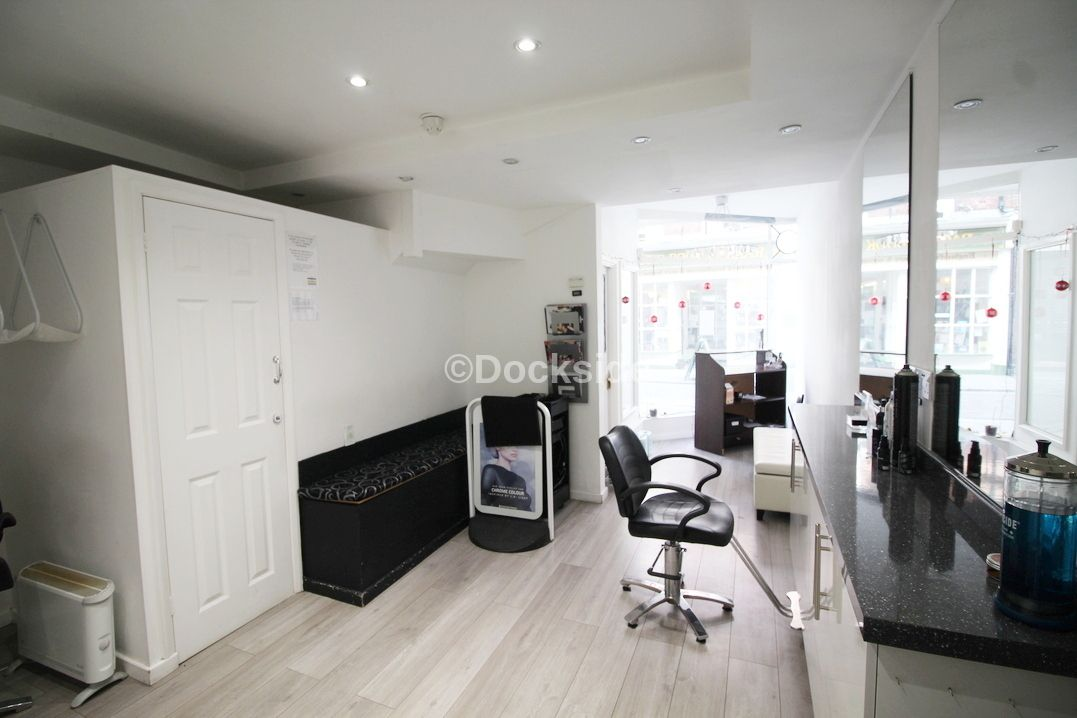 Commercial property to rent in 24 High Street  - Property Image 2