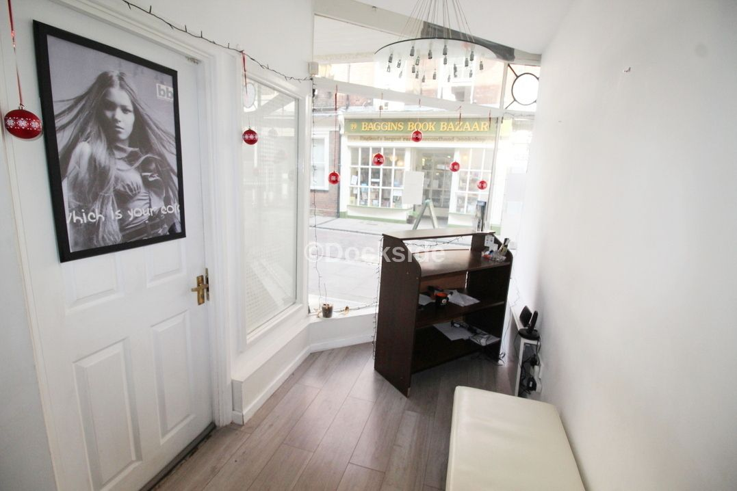 Commercial property to rent in 24 High Street  - Property Image 5