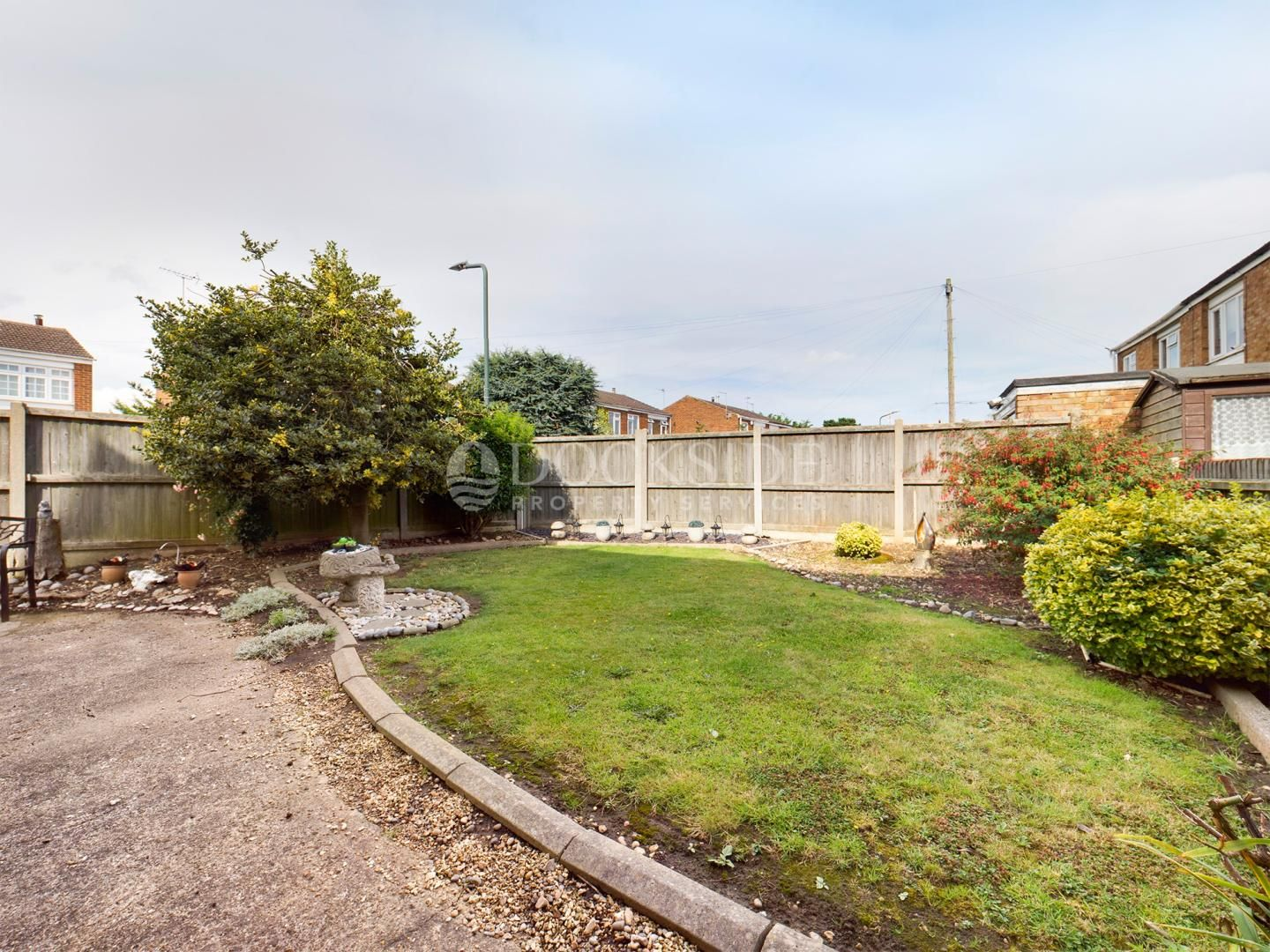 4 bed house for sale in Levett Close  - Property Image 2