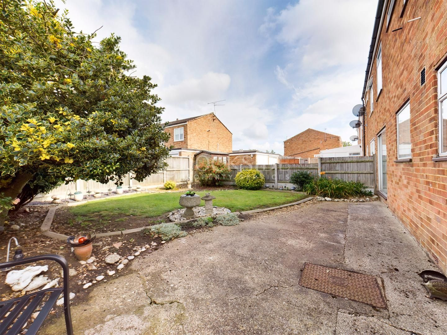 4 bed house for sale in Levett Close  - Property Image 13