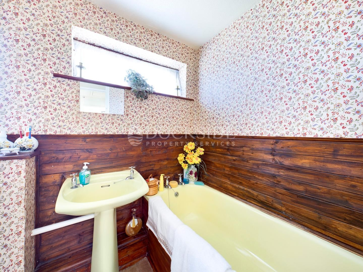 4 bed house for sale in Levett Close  - Property Image 9