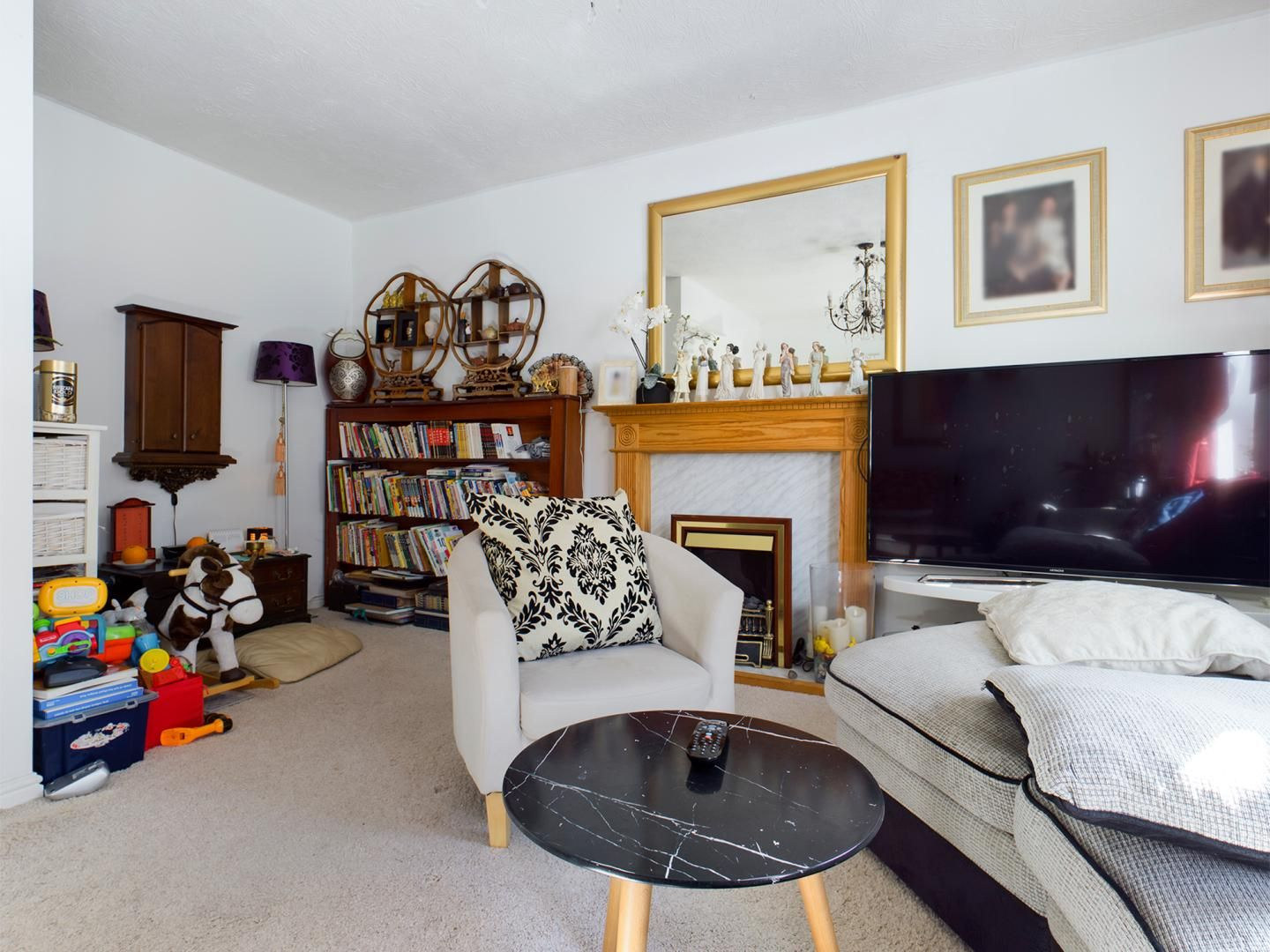 4 bed house for sale in Diana Road  - Property Image 2