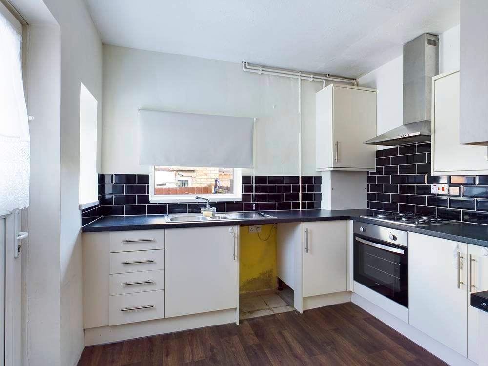 2 bed house for sale in Roffen Road - Property Image 1