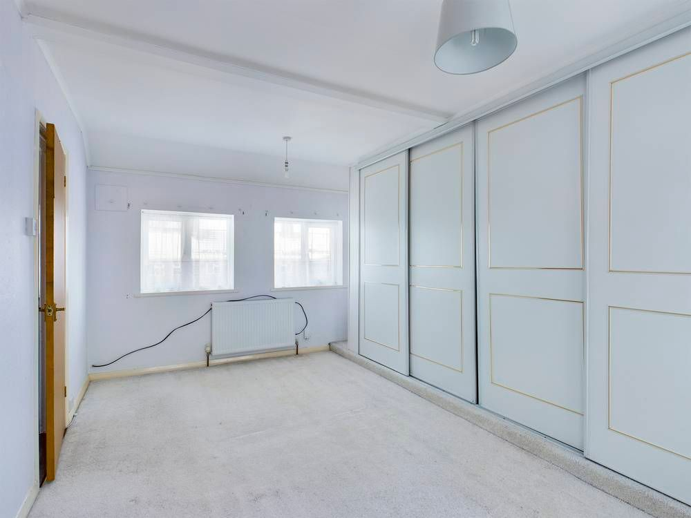 2 bed house for sale in Roffen Road  - Property Image 6