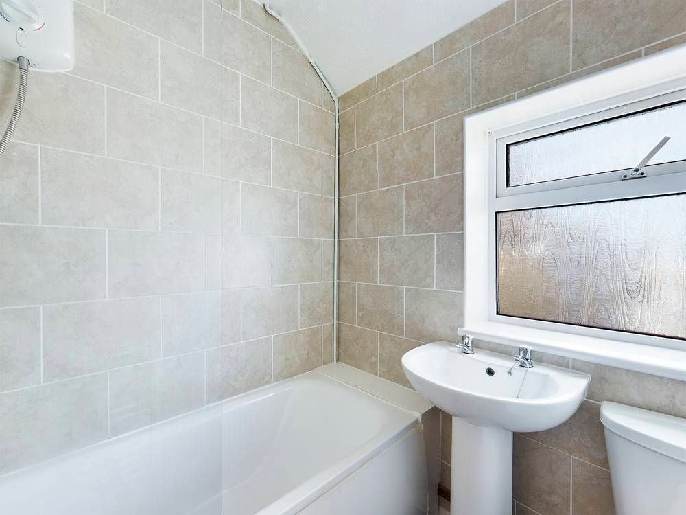 2 bed house for sale in Roffen Road  - Property Image 7