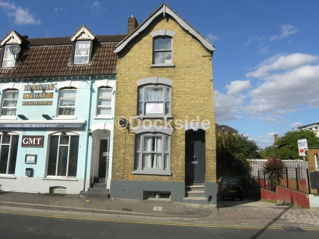 1 bed flat to rent in High Street  - Property Image 1