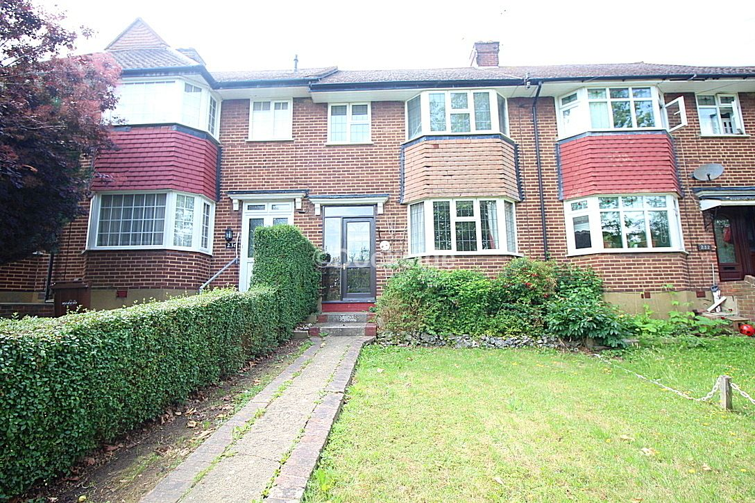 3 bed house for sale in Maidstone Road  - Property Image 1