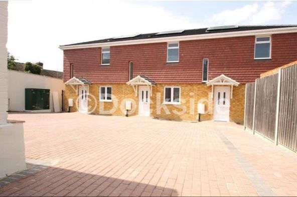 2 bed house to rent in Chalkpit Hill, ME4