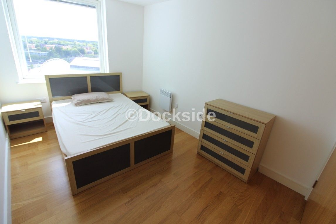 1 bed flat to rent in Dock Head Road  - Property Image 4