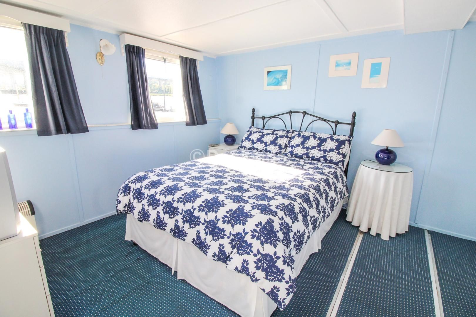6 bed house boat for sale in Manor Lane  - Property Image 3