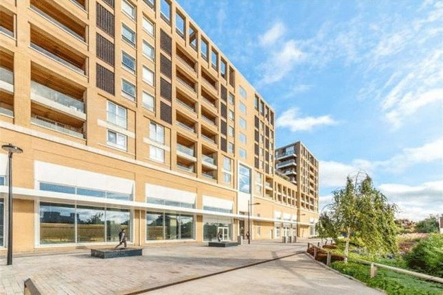 1 bed flat to rent in Silvertown Square  - Property Image 1