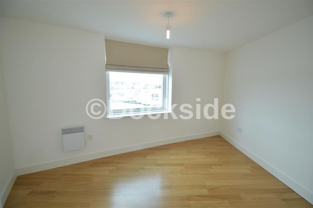 2 bed flat to rent in Dock Head Road  - Property Image 7