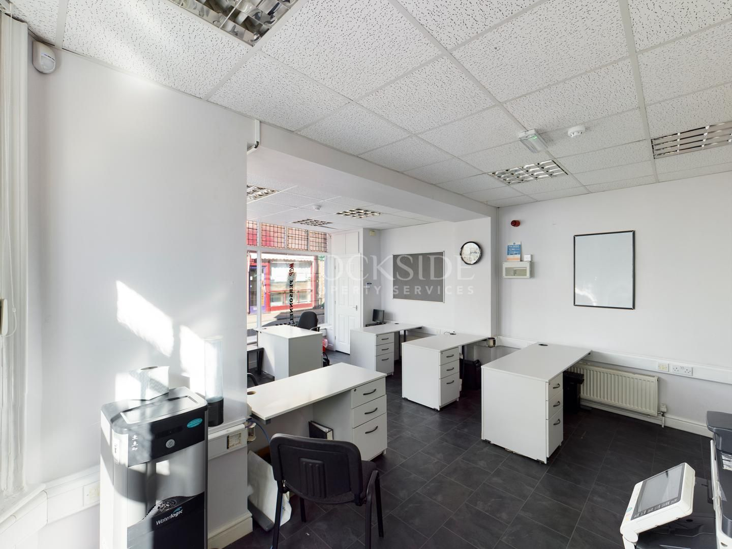 Office to rent in Manor Road 3