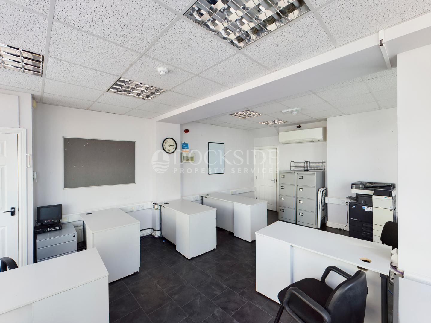 Office to rent in Manor Road  - Property Image 5