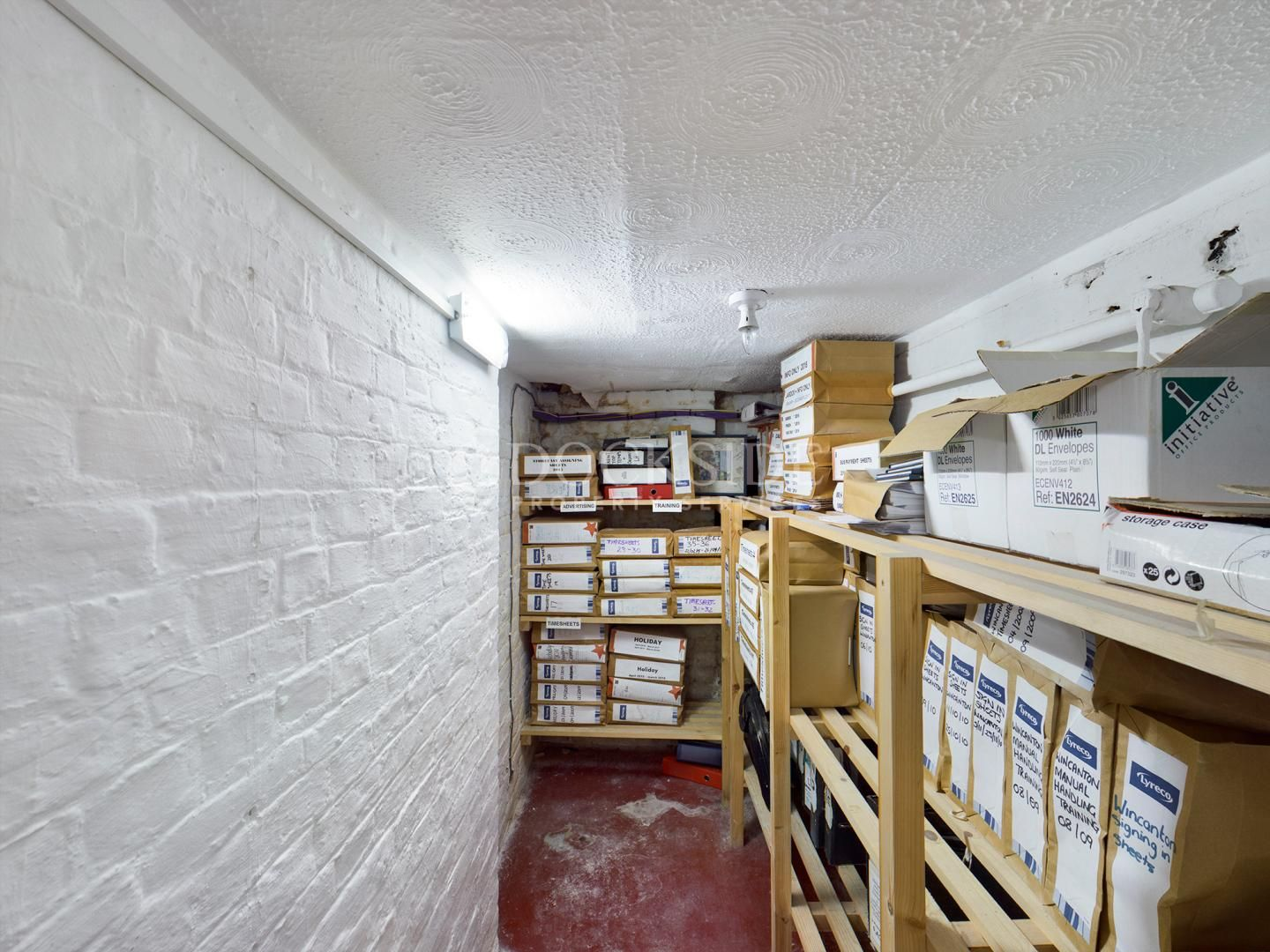 Office to rent in Manor Road 6