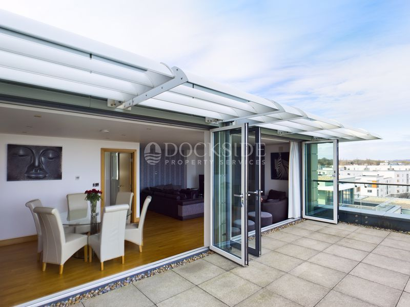 4 bed flat for sale in Pier Road  - Property Image 8