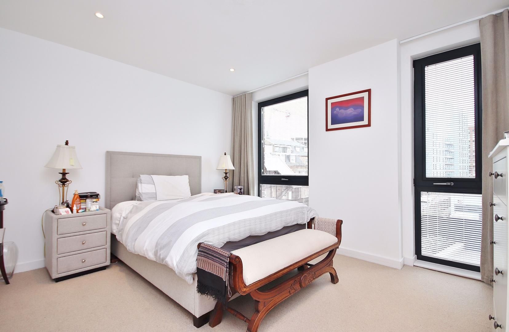 3 bed flat for sale in Williamsburg Plaza  - Property Image 7