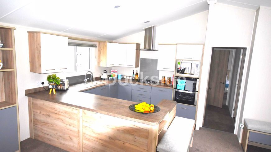 2 bed park home for sale in Hythe Road, TN29
