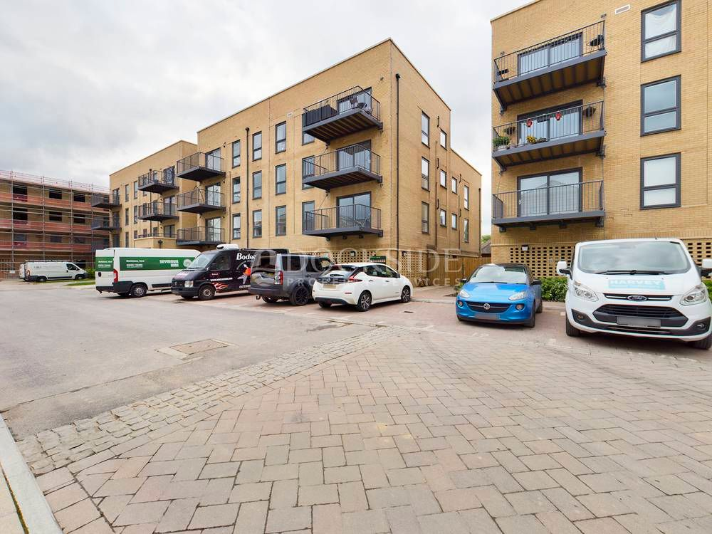 2 bed flat to rent in Starboard Crescent  - Property Image 9