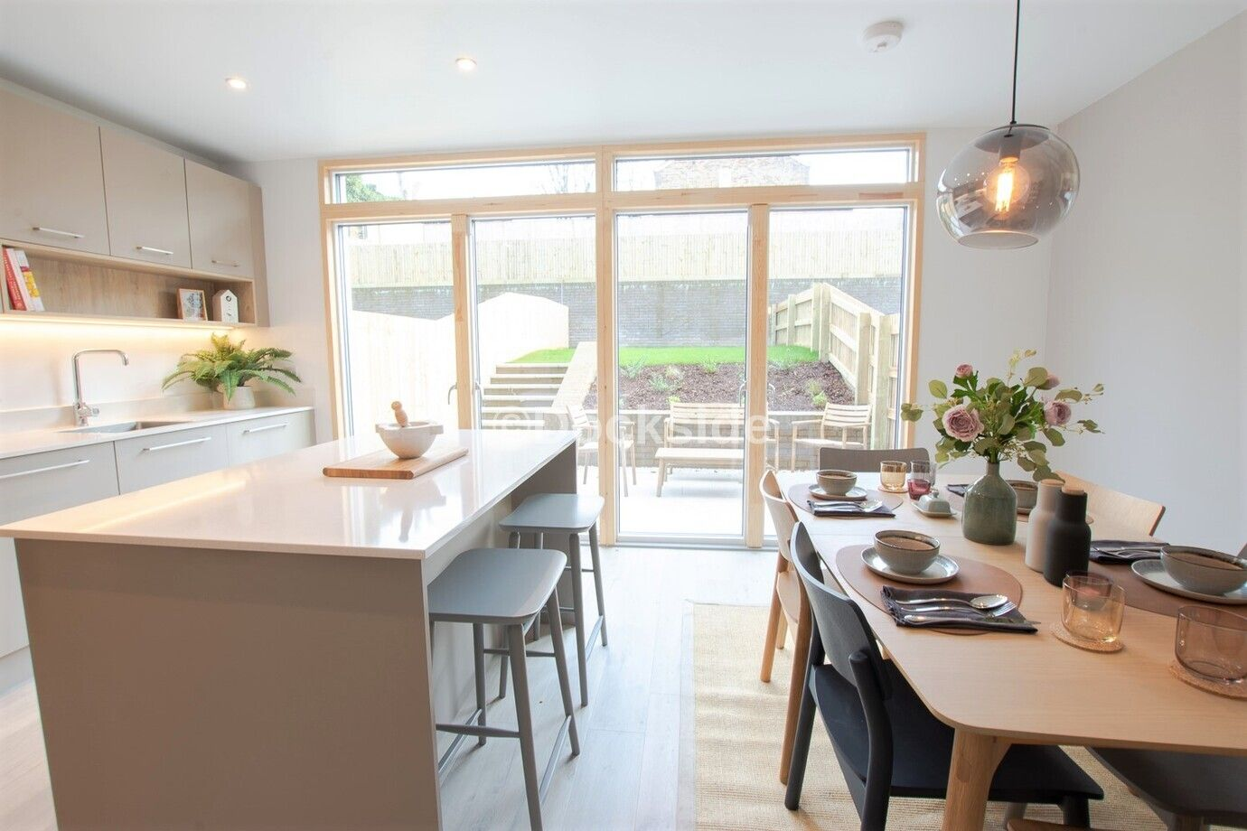 5 bed house for sale in Dock Road  - Property Image 9