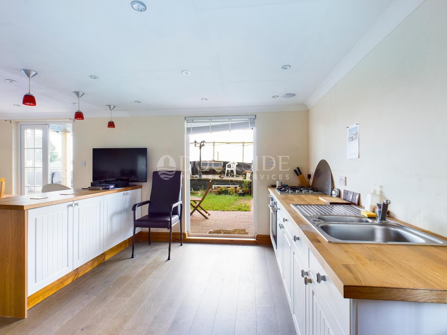 6 bed house boat for sale in Vicarage Lane  - Property Image 3