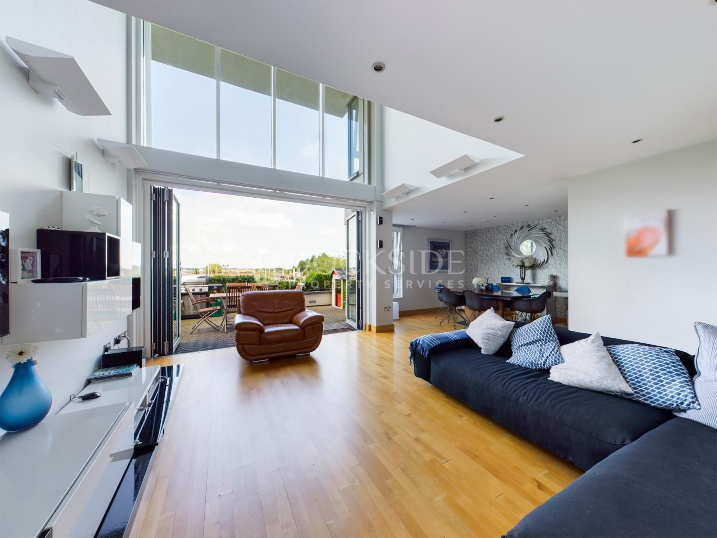 5 bed flat for sale in Pier Road  - Property Image 2