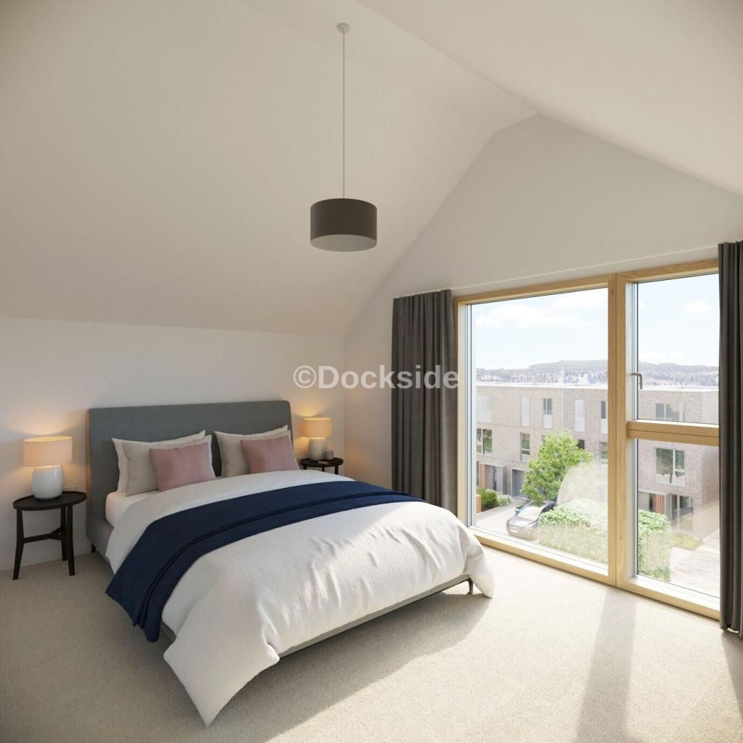2 bed house for sale in Barrack Hill, ME4
