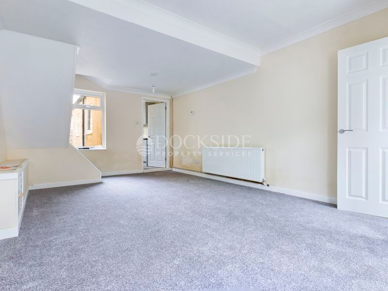 2 bed house for sale in James Street, ME12