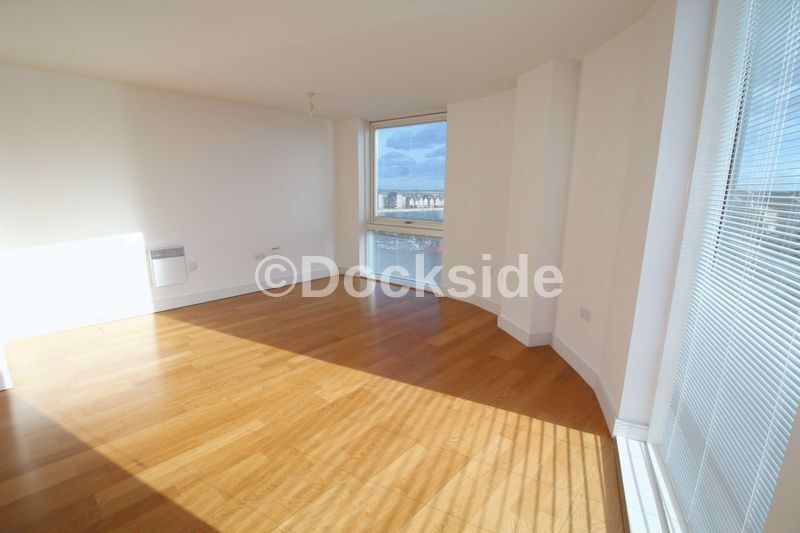 2 bed flat to rent in Marina Point West, ME4