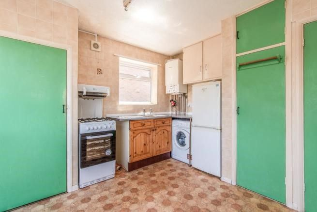 2 bed bungalow for sale in Carlton Cresent  - Property Image 11