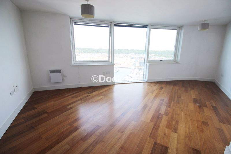 2 bed flat to rent in Dock Head Road  - Property Image 3