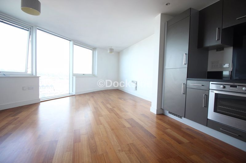 2 bed flat to rent in Dock Head Road  - Property Image 6