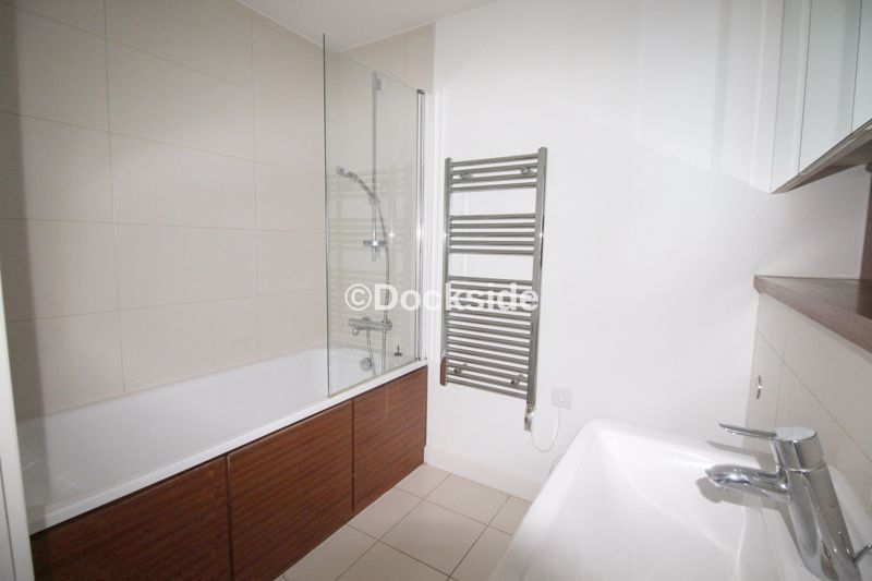 2 bed flat to rent in Dock Head Road  - Property Image 8