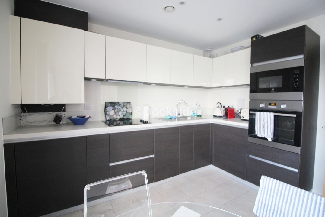 2 bed flat to rent in The Shoreway  - Property Image 4