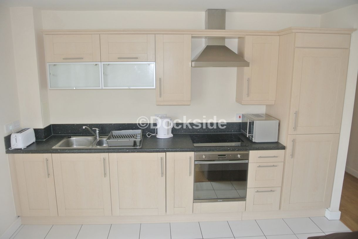 2 bed flat to rent in Restharrow Way  - Property Image 3