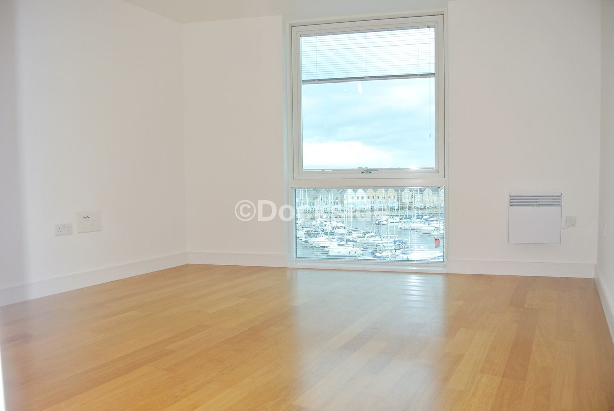 1 bed flat to rent in Dock Head Road  - Property Image 2