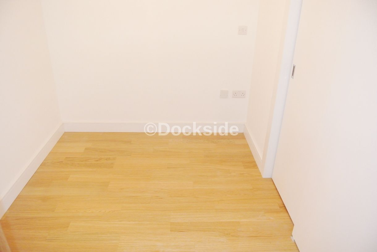 1 bed flat to rent in Dock Head Road  - Property Image 5