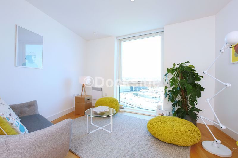 1 bed flat to rent in Marina Point West, Dock Head Road, ME4