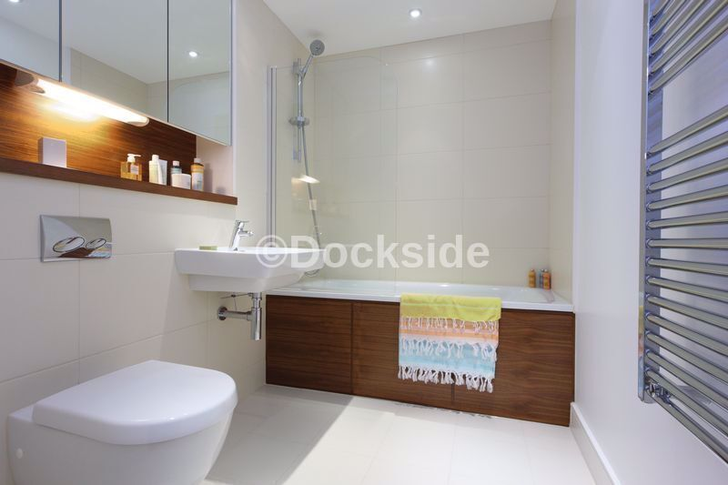 1 bed flat to rent in Marina Point West, Dock Head Road  - Property Image 4
