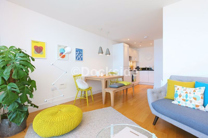 1 bed flat to rent in Marina Point West, Dock Head Road  - Property Image 5