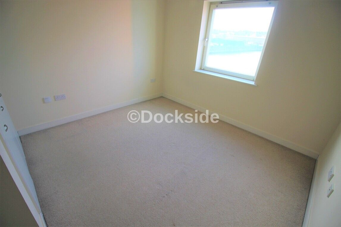 1 bed flat to rent in Watersmeet  - Property Image 4