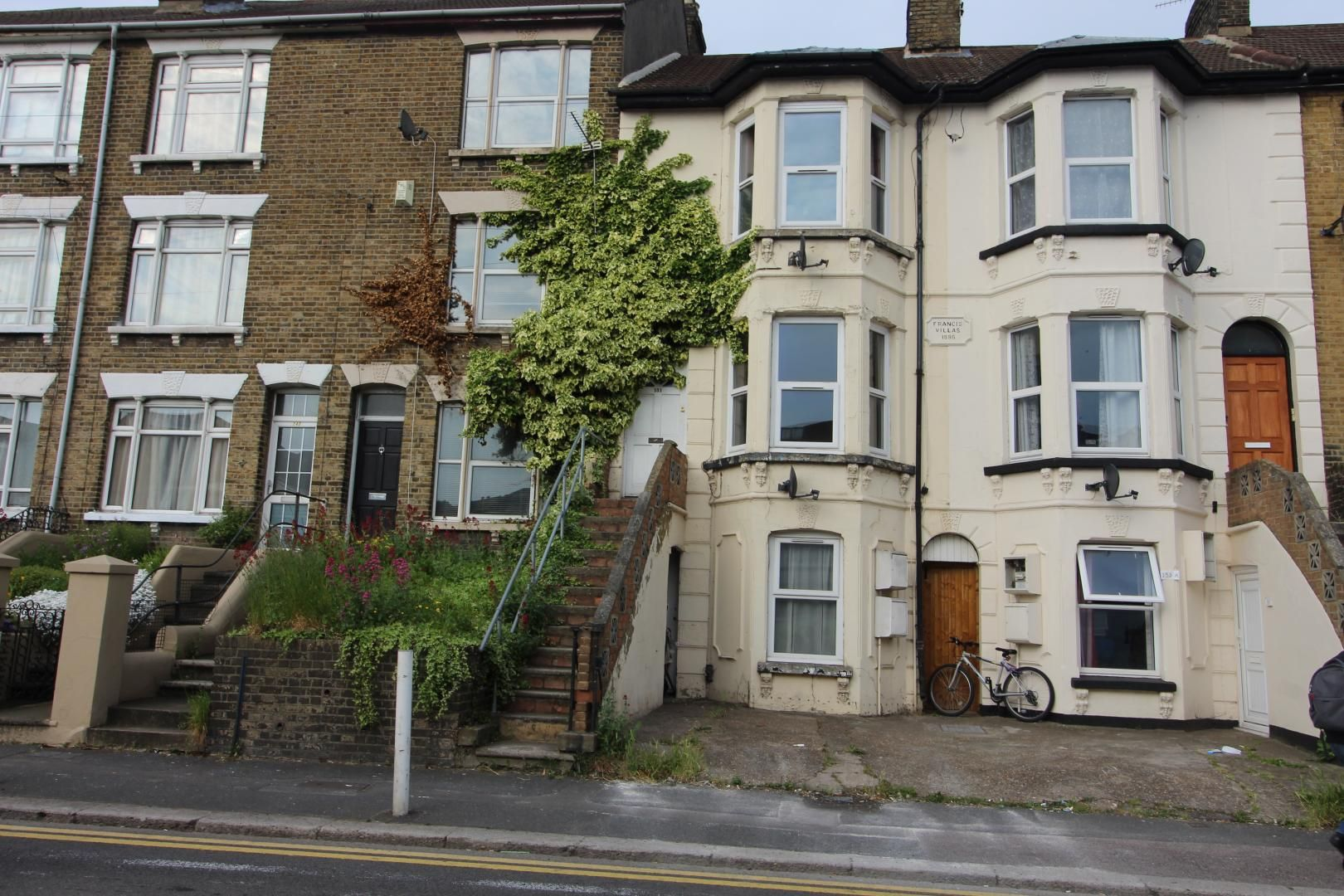 1 bed flat to rent in Luton Road, ME4