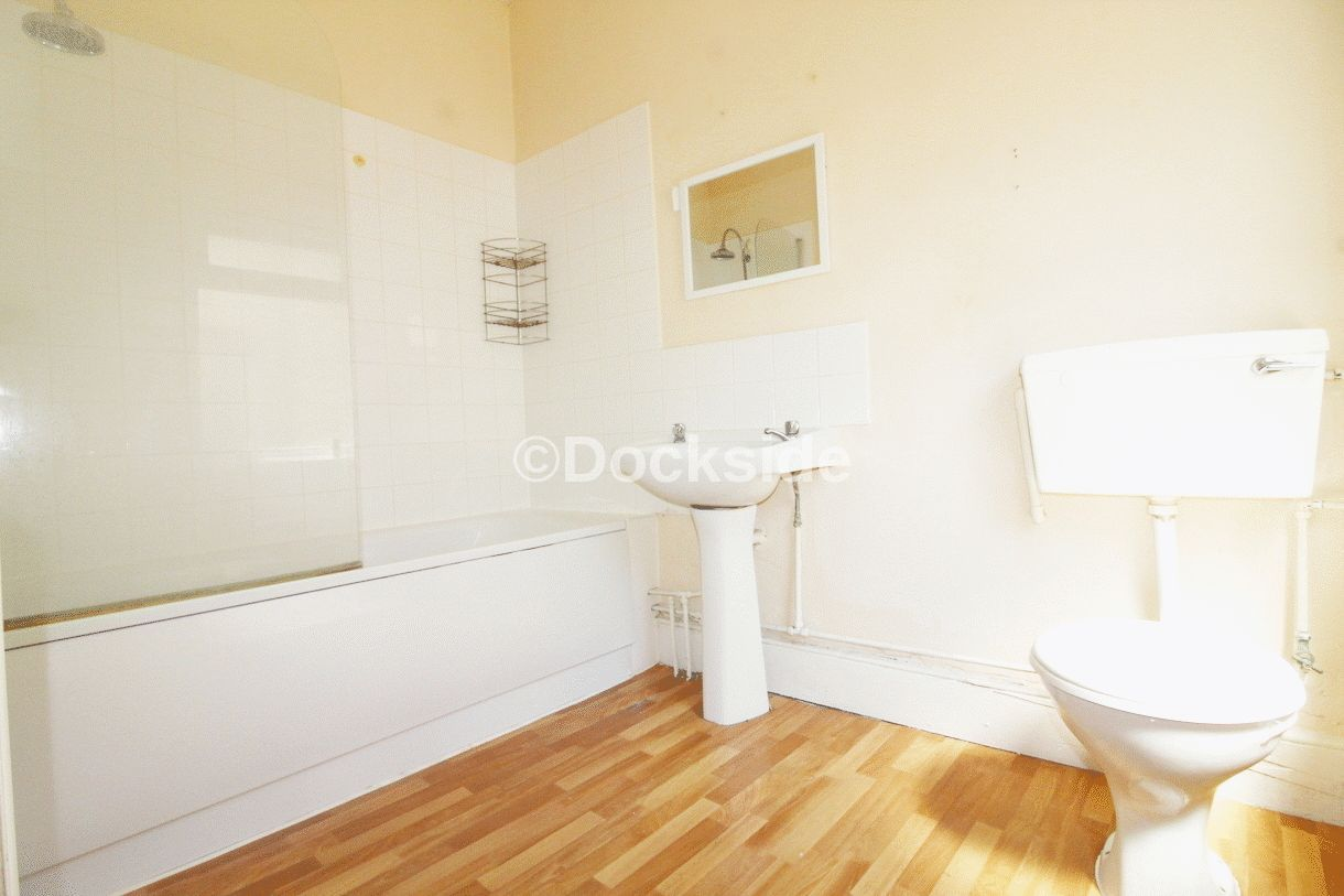 1 bed flat to rent in Luton Road  - Property Image 5