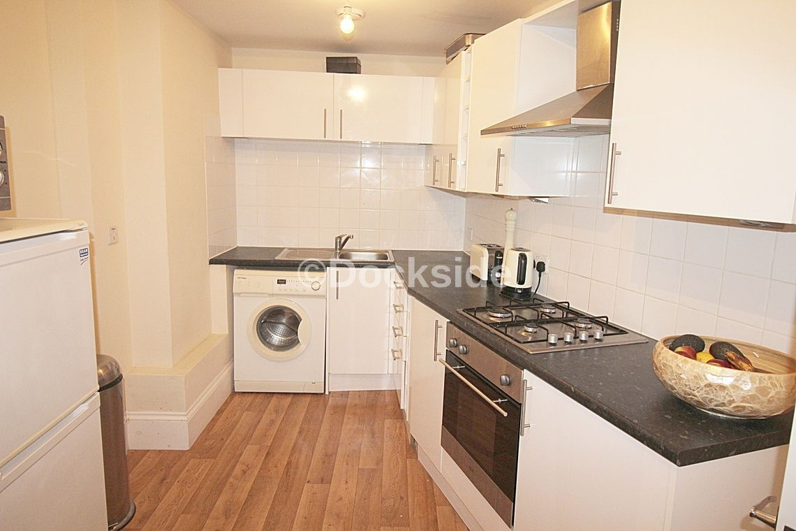 1 bed flat to rent in High Street, ME1