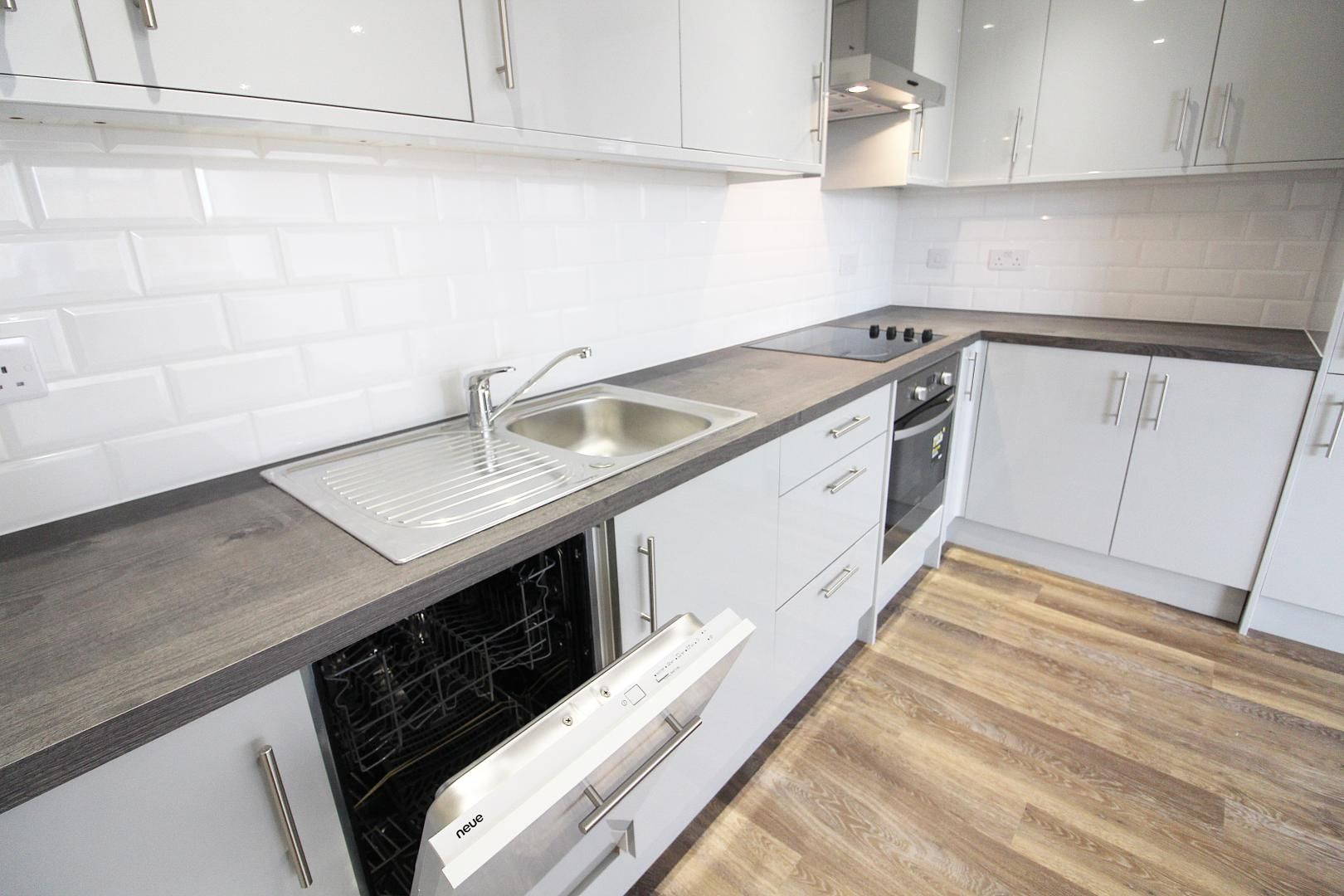 1 bed flat for sale in Bank Street  - Property Image 2