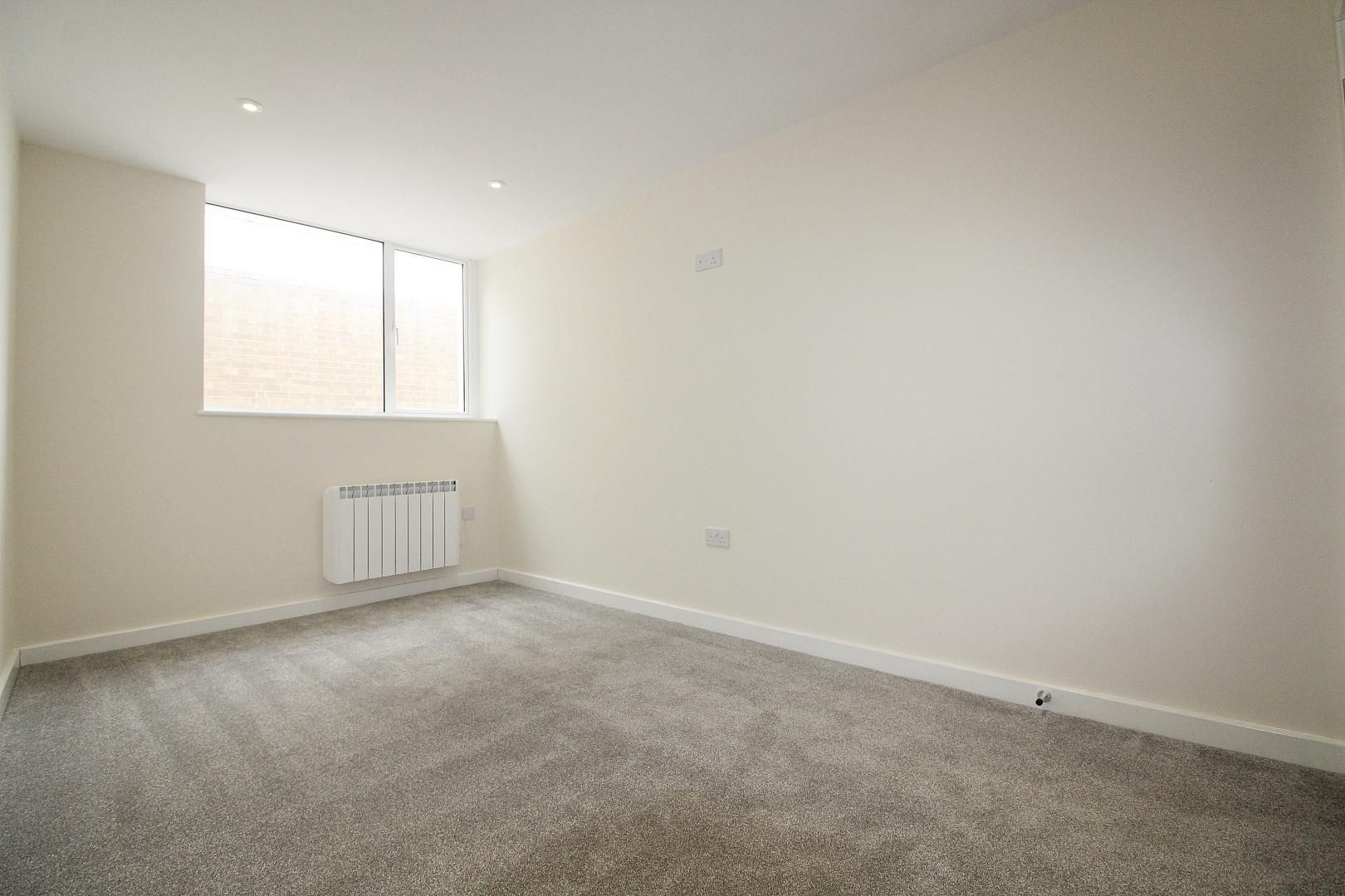 1 bed flat for sale in Bank Street  - Property Image 5
