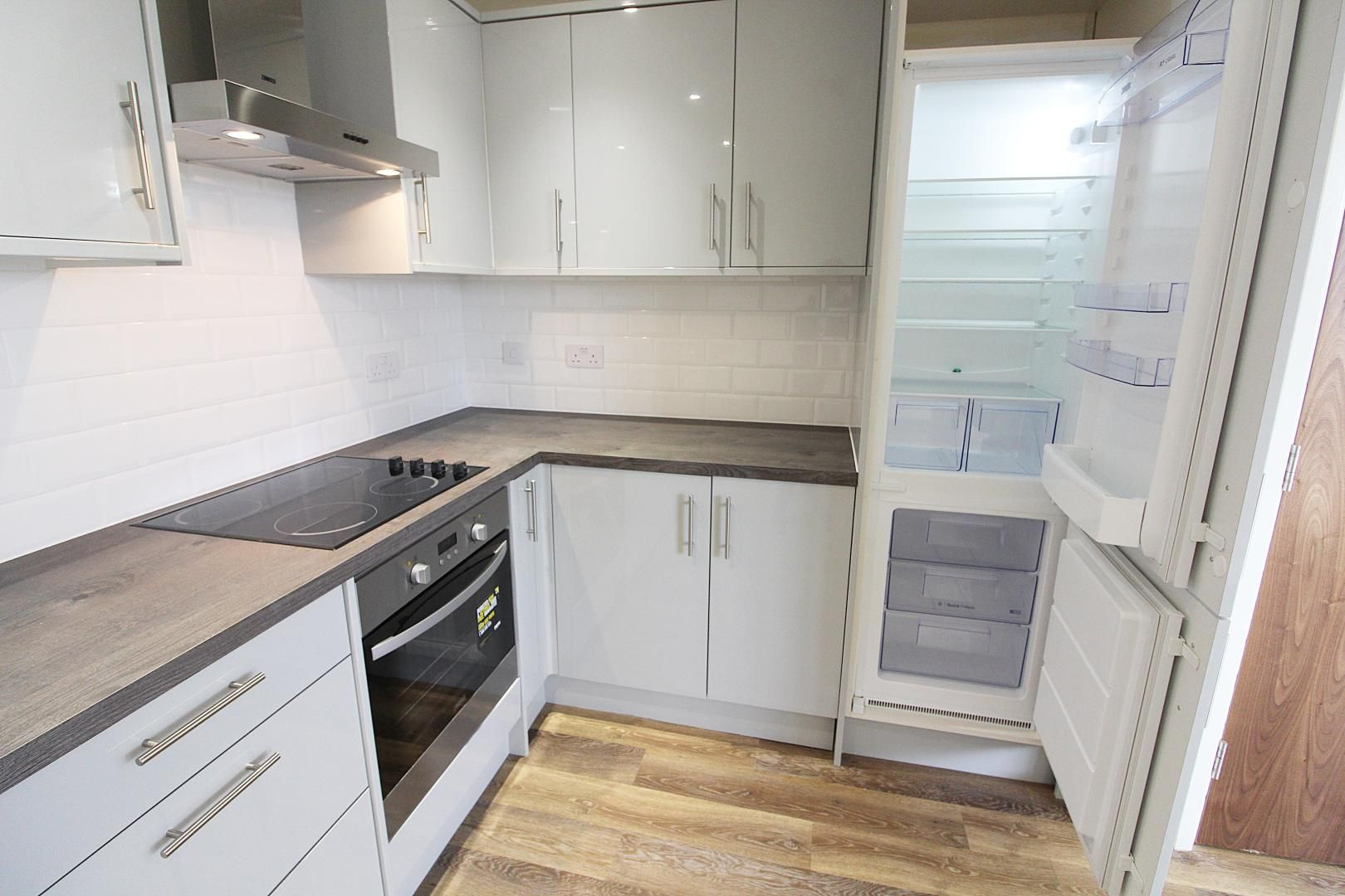 1 bed flat for sale in Bank Street  - Property Image 8
