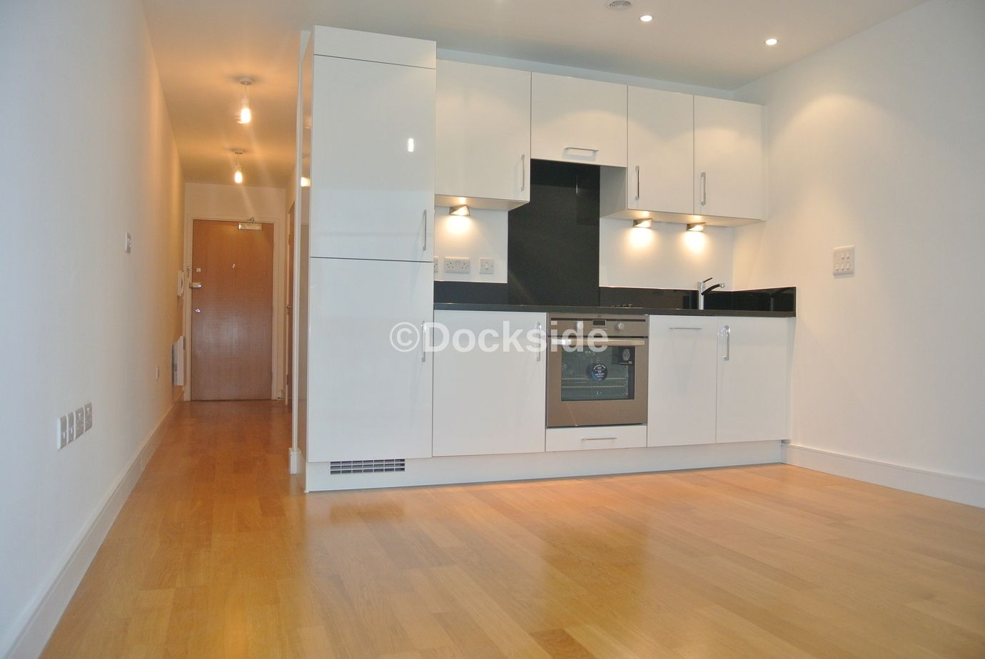 1 bed flat to rent in Dock Head Road, ME4