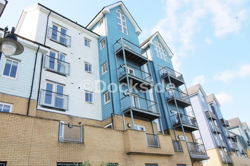 2 bed flat to rent in Rivermead, ME4